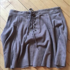 Suede Lace-UP Pleated Skirt, size small